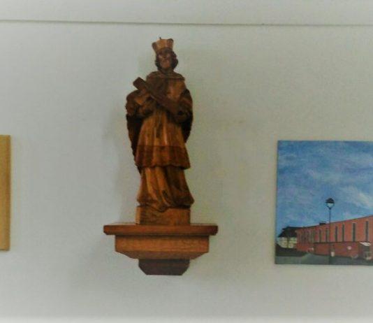 Figur des Hl. Nepokmuks im Gemeindesaal Marien, E-Karnap